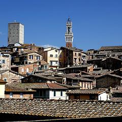 Siena, Toscana (pom'.) Tags: panasonicdmctz101 2018 europeanunion sky siena torredelmangia toscana tuscany italia italy april roofs 100 200 300 5000 400