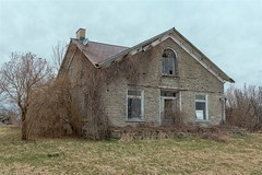 (PaulPagéPhotos) Tags: picton d850 princeedwardcounty antiquehomes oldbuildings abandonedhomes