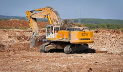 P1630217 (Denis-07) Tags: liebherr 974 excavatrice machine engins tp dtp chantier terrassement france