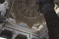 Ranakpur Jaïn Temple (Gwen Fran) Tags: asia asie inde india jaïn rajasthan ranakpur architecture hindou hindu jaintemple temple plafond ceiling dome sculpture colonne column