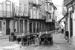 Guimaraes (Laszlo Horvath.) Tags: guimaraes portugalia street nikond7100 sigma1835mmf18art blackwhite blackandwhite bw monochrome