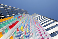 - Communication X9 - (Jacqueline ter Haar) Tags: chicago publicart sculpture yaacovagam colourful colours kinetic light lookingup explore michiganavenue