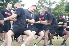 """Allons tug-o-war competition (commandos10mtn) Tags: 2ndbrigadecombatteam 10thmountaindivision artillery commandos 2ndbattalion""""allons """"15thfieldartilleryregiment 2ndbattalion 15thfieldartilleryregiment allons competition run espritdecorps tug tugofwar tugowar army soldiers pt prt physicaltraining physicalreadinesstraining camaraderie fortdrum newyork us"""