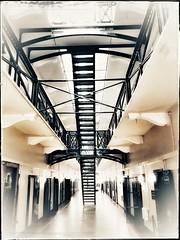 Crumlin Road Gaol, Belfast - Northern Ireland (Livio Saule) Tags: gaol prison prigione irlanda ireland artistic belfast bianconerocolorato