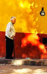 Elderly Gentleman (klauslang99) Tags: streetphotography klauslang people person elderly gentleman wall guanajuato mexico