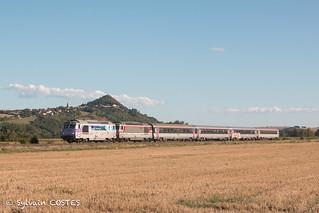 Les BB 67557 et BB 67628  en tête du Cévenol 15972 Nîmes - Clermont