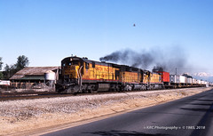 UP X-2422W @ Ontario (GRNDMND) Tags: trains railroads unionpacific up lasl locomotive ge c307 emd sd402 supervan ontario california