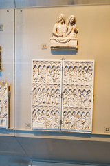 Carved ivory religious panels (quinet) Tags: 2017 antik england london schnitzerei victoriaandalbert ancien antique carving museum musée sculpture unitedkingdom 826