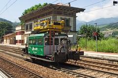 De la vieja escuela!!! (yagoortiz) Tags: dresina electrificación adif classic campomanes tren train ffcc gijon leon puerto pajares
