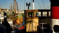 Crowded (zolaczakl) Tags: bristol harbourside earlymorninglight johnking mayflower pyronaut thematthew june 2018 lightshadow nikond7200 nikonafsnikkor50mmf18glens uk england photographybyjeremyfennell