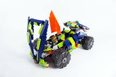 "Aaron's Hopper - LEGO Nexo Knights 70355 Alternate MOC (""grohl"") Tags: aaron lego nexo nexoknights 70355 alternate alternative cmodel axolotl lizard suspension steering flying flyer hammerhead submarine action shooting krakenbeast krakenskull space grohl666 grohld"