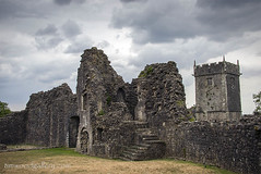 NEWCASTLE CASTLE IN BRIDGEND......S.WALES. (IMAGES OF WALES.... (TIMWOOD)) Tags: newcastle castle medieval history historic ancient ruin church gates bridgend glamorgan south wales tim wood gallery hill ogwr penybont welsh