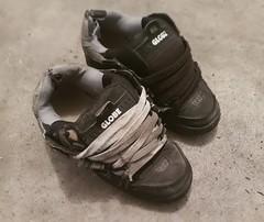 filthy old globe sabres (JaydenLooseUnit) Tags: used dirty trashed stink bogan skate bmx shoes worn socks dirt