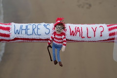 Where's Wally? (Glass Horse 2017) Tags: saltburn huntcliff sys saltburnyarnstormers yarnbombing knitted crochet wool pier beach figures characters books ajollygoodread 2018 whereswally childensbook specs walkingstick bobblehat stripeyjumper