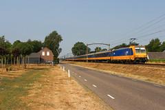 NS 186 020 + IC 1133 | Boxtel, 19-7-2018 (Arnoud - Fotografie) Tags: trein train zug ns spoorlijn traxx loc locomotive eindhoven boxtel canon 186020 intercity ic ic1133 rail railway railroad