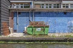 Green & Blue (Pieter Musterd) Tags: container water muur pietermusterd musterd canon pmusterdziggonl nederland holland nl canon5dmarkii canon5d denhaag 'sgravenhage thehague lahaye