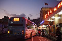 基隆 ∣ Keelung City・Taiwan (Iyhon Chiu) Tags: 基隆 keelung taiwan 台灣 street alley 街景 bus sunset road dusk