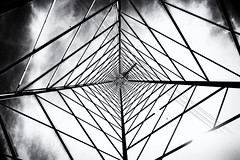 #30 - Electricity (bumbazzo) Tags: 52 30 onceaweek nova milanese milano milan italia italy traliccio alta tensione high voltage pylon pylons tralicci bn bianco nero bianconero bw black white blackwhite urban city città