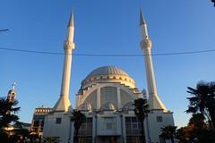 Grande Mosquée de Shkodër (2) (8pl) Tags: shkodër mosquée grandemosquée albanie minarets lieudeculte édificereligieux bâtiment extérieur bâtimentreligieux religion islam
