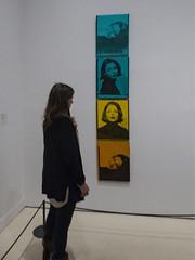 ... (Lanpernas .) Tags: gente mujer expo warhol pop popart madrid metafotografía 2018 art arte interiores
