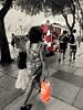 vermelho, quase sempre (luyunes) Tags: mobilephotographie mobilephoto rua cenaderua streetphoto streetscene streetphotography streetlife motozplay fotografiaderua fotoderua luciayunes vermelho