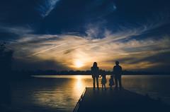 Family sunset (ricardo.santoyo) Tags: sunset atardecer familia family orange blue sky river cloud clouds