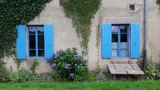 Gevel aan de Montmoulard achter Camping Creuse Nature