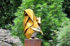 Squirrel (pjpink) Tags: origami sculpture lewisginterbotanicalgarden lewisginterbotanicalgardens lewisginter gardens northside rva richmond virginia june 2018 summer pjpink 2catswithcameras