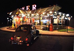 A beacon in the night. (63vwdriver) Tags: whately diner vintage kullman ma mass massachusetts 1963 vw volkswagen bug beetle night neon lights