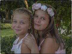 LAURA Y PAOLA (BLAMANTI) Tags: laura paola retrato fiesta olympusomd olympus blamanti