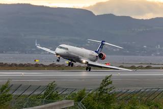 Landing in crosswind at Trondheim Værnes