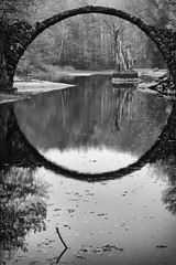 (Px4u by Team Cu29) Tags: brücke rakotzbrücke spiegelung reflektion wasser kromlau gablenz landschaftspark kromlauerpark devilsbridge 360 perfect circle water reflection nature trees arch germany deutschland rocks landscape leaves greenery historic