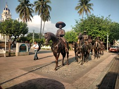 IMG_20180713_185510492 (Raul Pax) Tags: colima caballos escultura julio 2018 mexico mexique meksiki