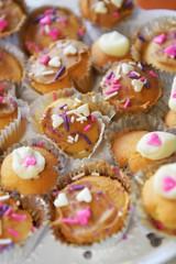 Mini cupcakes (*Amanda Richards) Tags: edible food treats birthday party menu cake cupcake minicupcakes icing