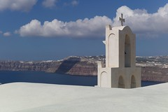 Welcome (•Nicolas•) Tags: nicolasthomas grèce greece holidays ile island m9 santorini vacances church église panorama landscape monument view sea sky cloud grèce santorin roof toit nuage