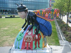 Manchester Bee — Mr. Bee'nn (rossendale2016) Tags: models life than larger large location central centre city environs arena injured killed aid aiction selling sold september july fund appeal bomb charity clever attractive fiber fibre glass plsstic shiny colorful colourful fantastic furniture street artistic art iconic icon trail sculpture bees manchester