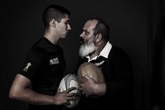 Creo que... los tiempos están cambiando (Paco Fuentes Vicario) Tags: nz rugby retrato portrait oscuro dark barba beard barbe all black generación generation change timearechanging allblack