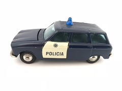 Metosul Portugal - Peugeot 304 Break - Policia / Police Car - Miniature Die Cast Metal Scale Model Emergency Services Vehicle. (firehouse.ie) Tags: peugeot304break stationwagon estate automobiles automobile autos l'auto coches coche cars car police portugal wagon wagons break peugeot304 peugeot policia models model miniatures miniature metosul55 metosul metal