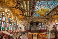 Palau de la Música Catalana (nzfisher) Tags: palaudelamúsicacatalana palau música catalana barcelona spain holiday travel architecture building modernista concerthall ceiling stainedglass interior seats hall decoration floral 24mm canon