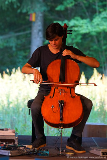 Lukas Lauermann: cello