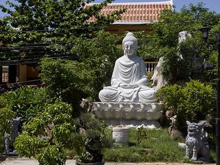 Estatua de Buda en la Pagoda de Phac Hat, Hoi An, Vietnam