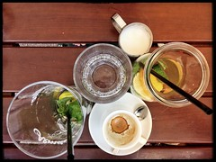 Leaving Corbaci, the best place to rest at MuseumsQuartier Vienna/Austria [https://corbaci.at] (macplatti) Tags: summerinthecity museumsquartier strohhalm lemontea espresso drinks foodblog food corbaci restaurant viennaframed