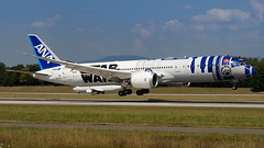 Boeing 787-9 Dreamliner JA873A All Nippon Airways - Star Wars R2-D2 Livery (William Musculus) Tags: basel mulhouse freiburg airport euroairport aeroport bsl mlh eap lfsb spotting boeing 7879 dreamliner ja873a all nippon airways star wars r2d2 livery special scheme ana