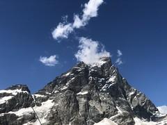 Aosta A008. (Joanbrebo) Tags: clouds nuages nuvols nubes naturaleza nature natura cervino zermatt montagne mountains montaña muntanya iphone365 iphonex italia valled'aosta valtournenche contactgroups
