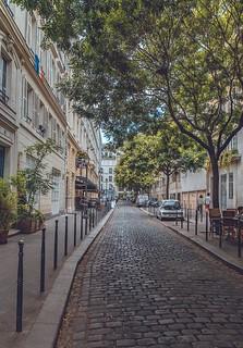 Cette semaine, je partage avec vous mes dernières photos de Paris. Comme à mon habitude, des choses simples qui illustrent une ville colorée et pittoresque. Bonne semaine !