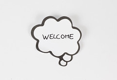 Welcome written on a thought bubble (wuestenigel) Tags: sticker welcome thought notes paper reminder office bubble art kunst noperson keineperson illustration retro design desktop symbol abstract abstrakt business geschäft papier sign schild pattern muster
