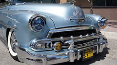 Baby's got blue eyes (Francoise100) Tags: chevrolet 1952 classic chrome fender grill headlight custom voiture wagen pkw