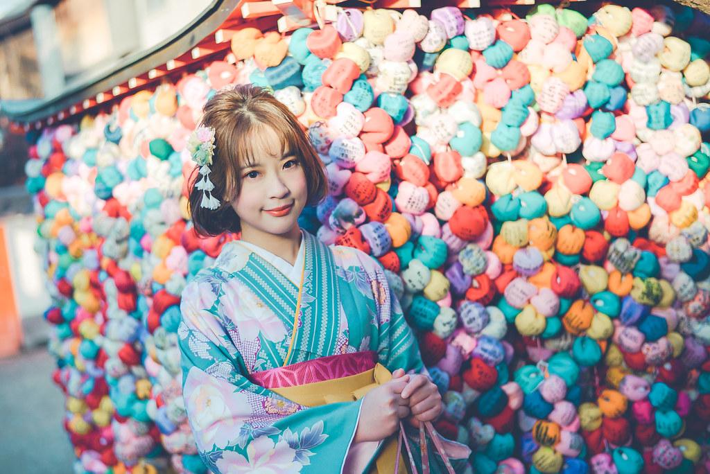 walking around kyoto in kimono-1-36