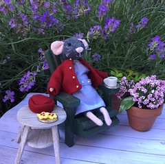Tea in the garden (Foxy Belle) Tags: mouse mice miniature poseable doll dollhouse nurse cray call midwife unifrom uniform relax tea time plants nature garden lavender
