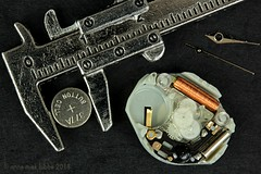 I CHANGED THE BUTTON CELL BUT LOST THE HANDS (Anne-Miek Bibbe) Tags: macromondays happymacromonday insideelectronics watch clock horloge buttoncell buttoncellbattery canoneos700d canoneosrebelt5idslr annemiekbibbe bibbe nederland 2018